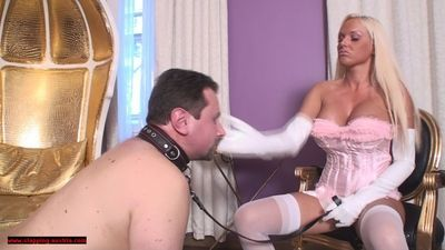 Diamond slaps her victim slave